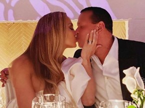 J-Lo, fiance Alex Rodriguez snapped stealing a kiss in Manhattan