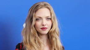Amanda Seyfried goes topless for film