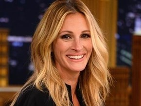 Julia Roberts avoids meeting fans in person